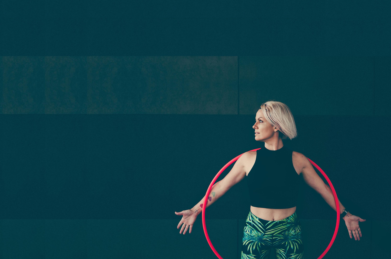 Deanne Love teaches hula hoop online