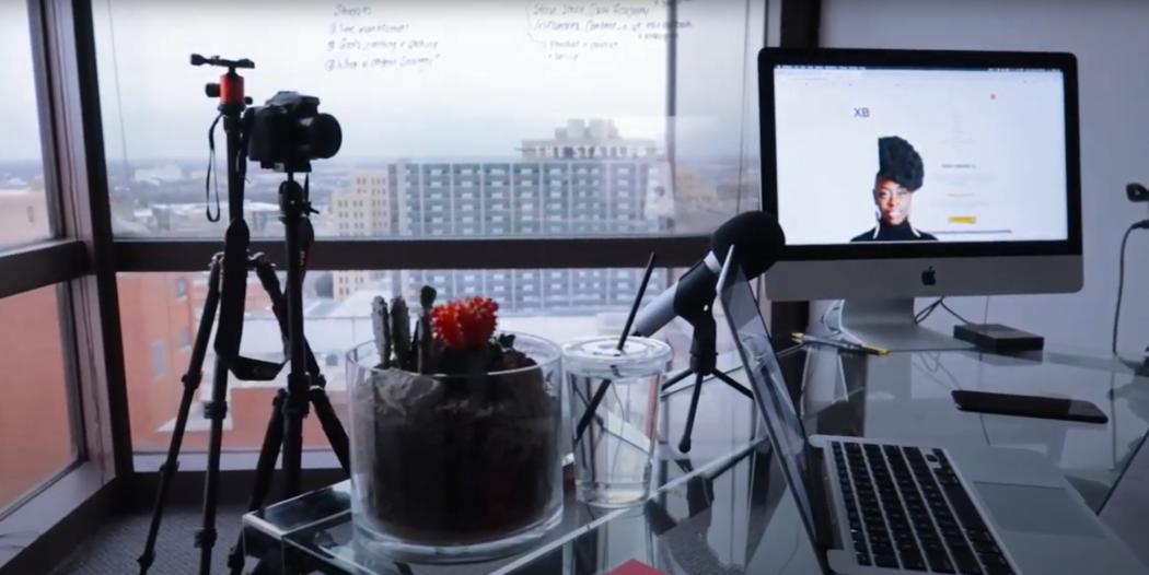 XayLi Barclay's natural lighting video recording set-up